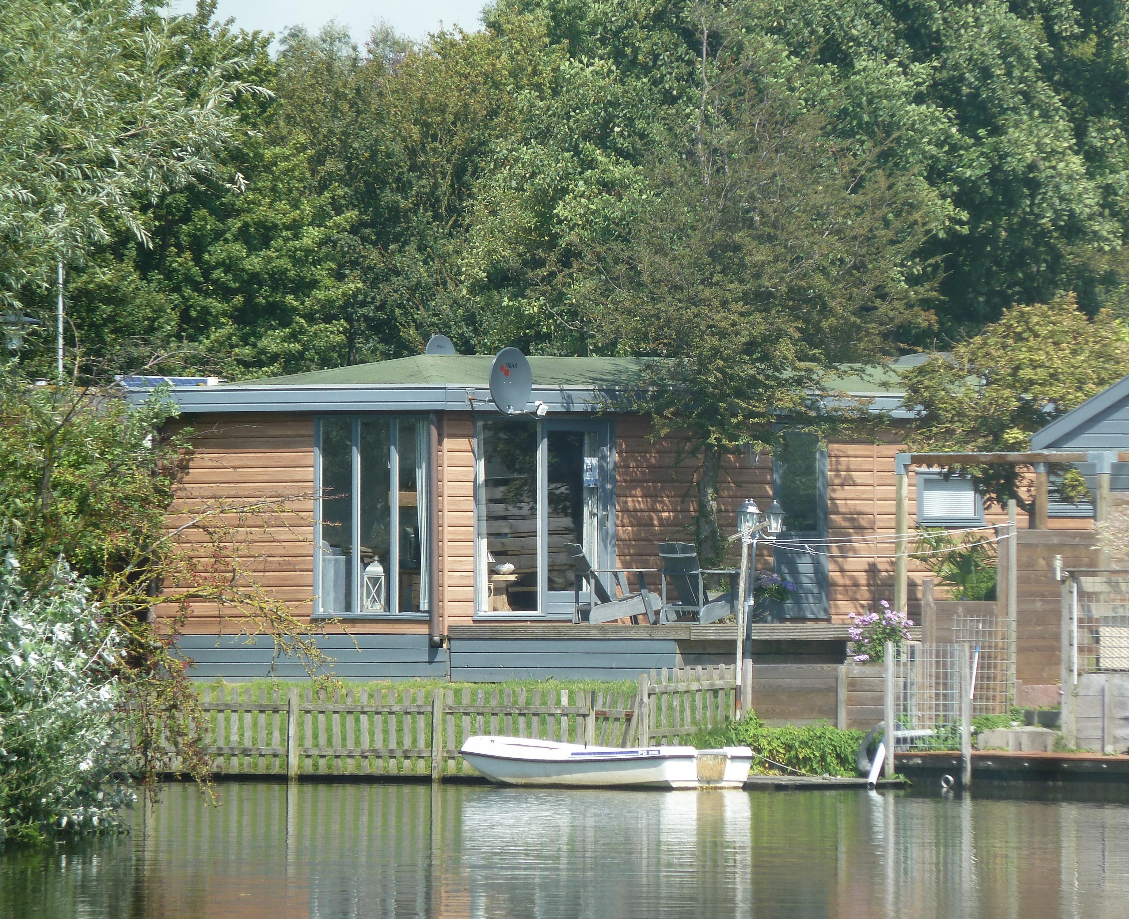 Chalet T32 huren, camping de Holle Poarte in Makkum, IJsselmeer, Friesland